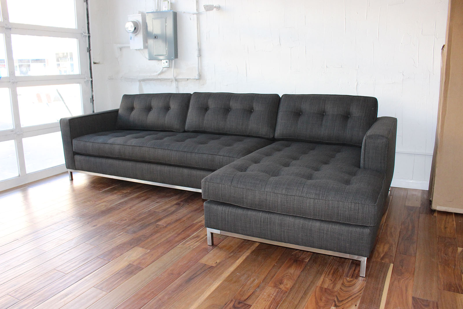 Onyx Cozy Couch Sf